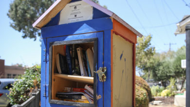 Photo of From Free Books to Free Food, Angelenos Come Together During Economic Uncertainty